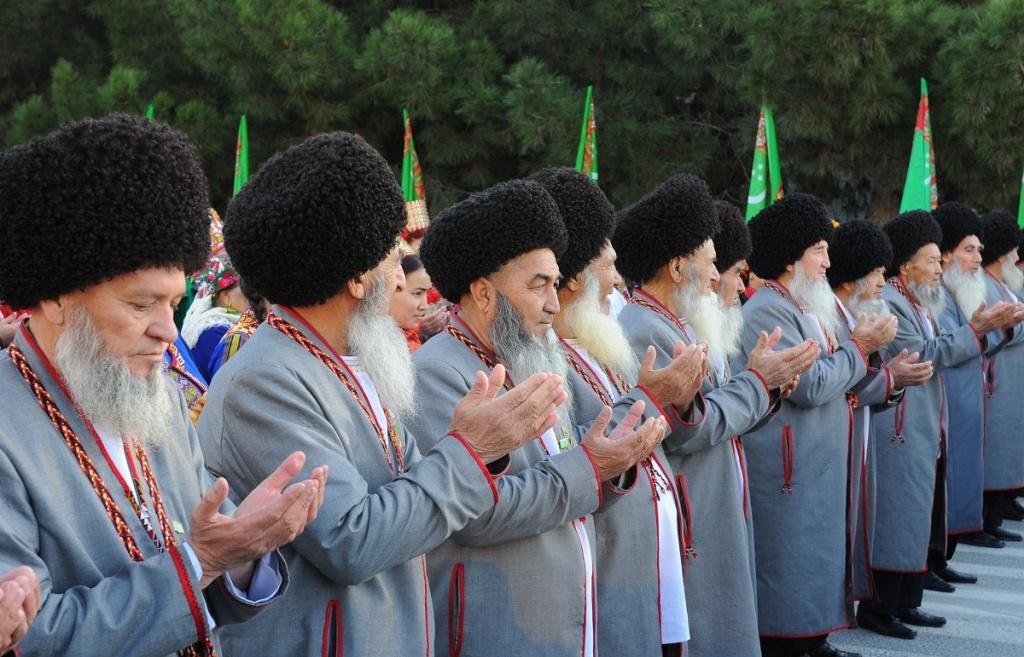 фото смесь национальностей украина туркмены переднем отделе выглядит