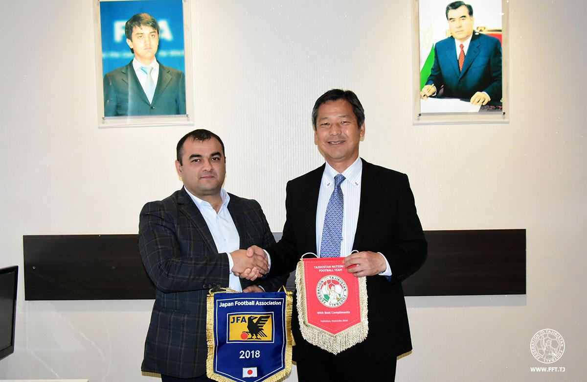 Реал мадрид откроет футбольную академию в узбекистане