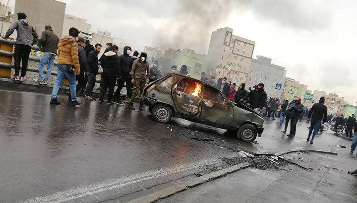 Iran imposes gasoline rationing, raises prices