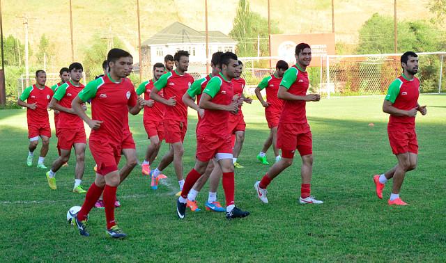 Ба Академияи футболи Тоҷикистон мақоми баргузида дода шуд