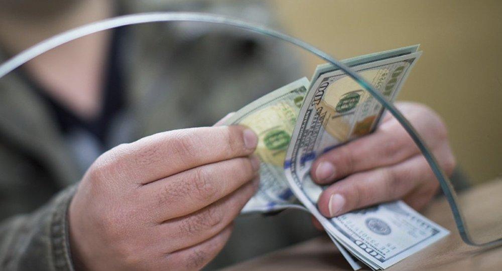 Почему в Таджикистане исчез доллар?