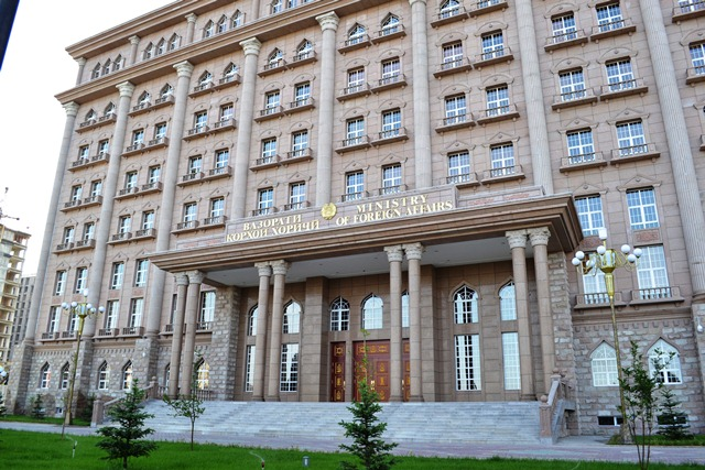 ВКХ: Масъалаи идомаи таҳсили донишҷӯёни тоҷик дар Русия мавриди баррасии доимӣ қарор дорад.