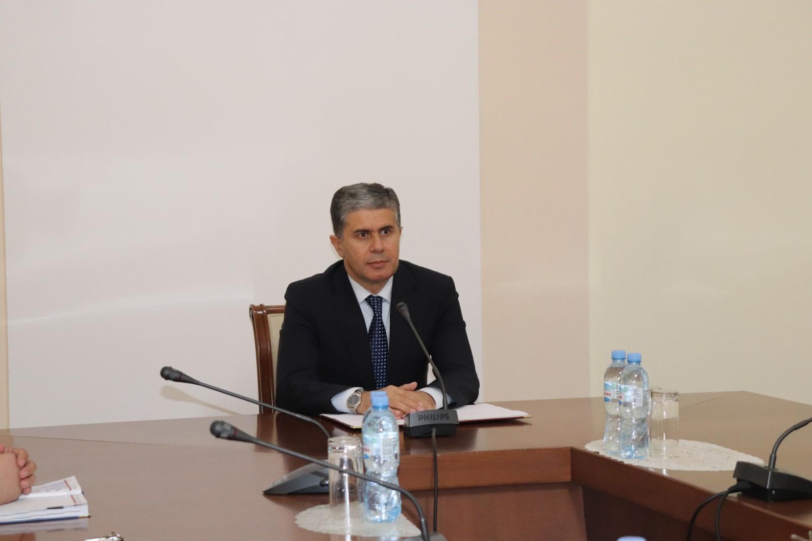 Глава Минэкономразвития и торговли Таджикистана оценил работу Эмомали Рахмона