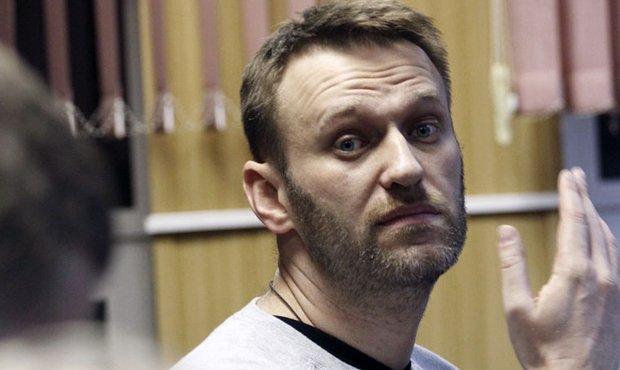 Алексей Навальный подал в суд на Дмитрия Пескова