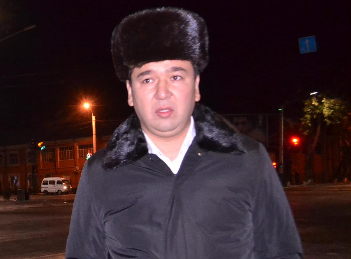Новый мэр Худжанда начал свой первый рабочий день ранним утром с улиц города