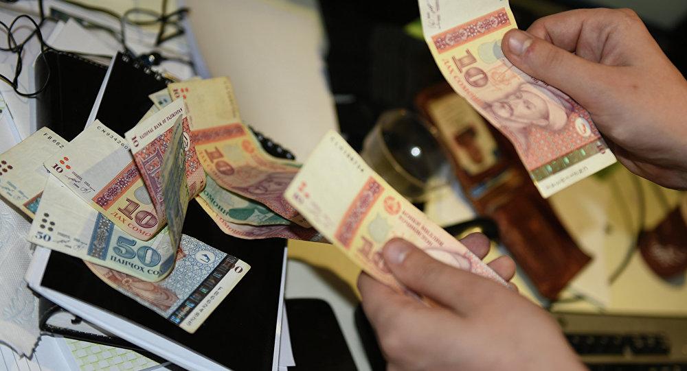 В Таджикистане остановили хронический рост задолженности по зарплате