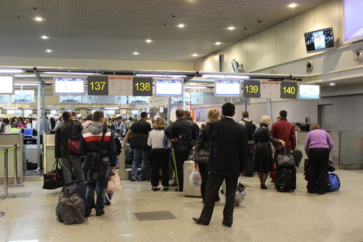 Таджикистанцам разрешили въехать в Россию через третьи страны