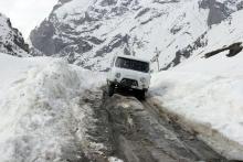 Снегопады в Таджикистане будут идти до начала весны, на дорогах лавиноопасно