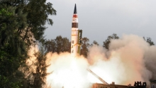 Эксперты: Запуск Индией межконтинентальной ракеты сигнал Пекину