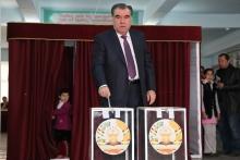 Президент после голосования поблагодарил членов избирательной комиссии