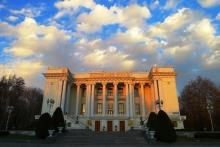 Сталинский неоклассицизм Душанбе