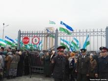 На таджикско-узбекской границе - очереди. Штат пограничников увеличат.