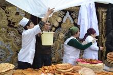 Чагалдак, орзук, суманак: что представили на фестивале национальных сладостей в Душанбе