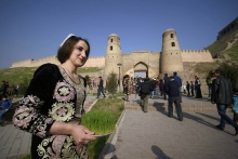 Навруз в Гиссаре собрал тысячи таджикистанцев