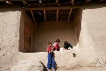 «Назначили алименты по 100 сомони»: что в Таджикистане остается женщине после развода