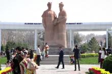 Памятник дружбы: Как в Самарканде восстановили Джоми и Навои?