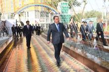 Эмомали Рахмон открыл в Душанбе обновленный «Детский парк»
