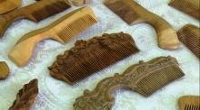 300 сомони за штуку: как в Истаравшане делают расчески с сертификатом от ЮНЕСКО
