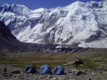 КЧС: с альпинистами установлена связь. Они готовятся к эвакуации