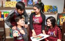 «У детей нет даже кисточек для рисования»: Насиба Каримова мечтает развивать искусство в регионах Таджикистана