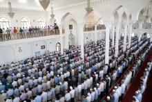 Праздничный намаз в центральной соборной мечети