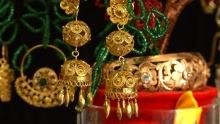 Женщина-ювелир: как жительница Худжанда по 70 часов создает украшения