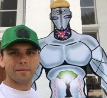 «Человек-милосердие»: в Таджикистане появился свой супергерой