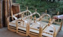 Гахвора потомственных мастеров: как в Исфаре по старой технике делают колыбели