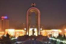 7 памятников Исмоилу Сомони, которые поставили в регионах Таджикистана