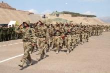 Как одно целое: видео с маршировки военных Таджикистана и Узбекистана