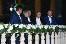 Президент Таджикистана организовал вечернюю прогулку для глав государств СНГ