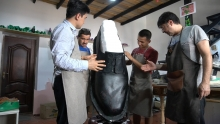 Обувь 245 размера: как молодой сапожник из Душанбе продвигает свой бренд