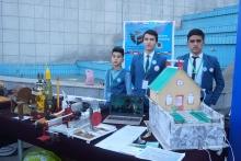 Робот-официант, энергия из мусора, молоток Тора: юные новаторы Таджикистана показали свои изобретения