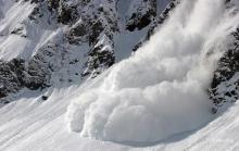 Как не попасть под снежную лавину и что делать если попали?