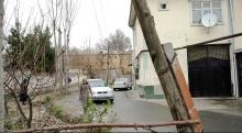 «Каждый день здесь кого-то сбивают»: как живут душанбинцы, дома которых оказались на объездной дороге
