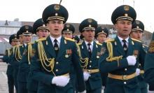Какие строевые песни сейчас модно петь в таджикской армии