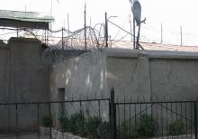 В бунте в колонии в Вахдате убиты три сотрудника этого учреждения