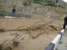 Стихия в Таджикистане: В Пенджикенте погибли двое душанбинцев, в районе Рудаки эвакуирован целый  джамоат