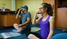 День йоги: инструктор показал, как держать себя в тонусе