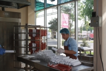 С мечтой о промышленном туризме: колбасный цех «ЭКО-ХАСИБ» намерен открыть первый филиал
