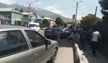 Видеофакт: Как неправильная парковка усложняет жизнь жителям Раштского района