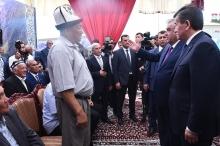 Лидеры Таджикистана и  Кыргызстана встретились с активистами приграничья (ФОТО)