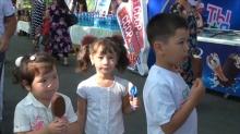 Фестиваль мороженого в Согде. Пломбир раздавали бесплатно