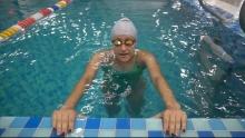 Как научиться плавать за три минуты?