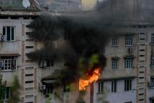 В Душанбе в жилом доме произошел крупный пожар