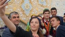 Селфи с чемпионом мира. Как Душанбе встретил Сомона Махмадбекова