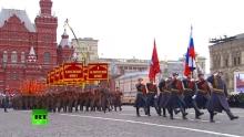 В Москве проходит марш в честь легендарного парада 1941 года