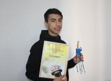 Таджикский эквилибрист стал бронзовым призером мирового фестиваля во Вьетнаме