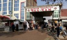Продавцы «Джал-джам» довольны переездом: на новом рынке просторнее
