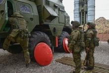 Таджикским журналистам показали систему С-300
